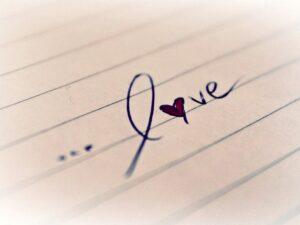 LOVEと書かれた文字